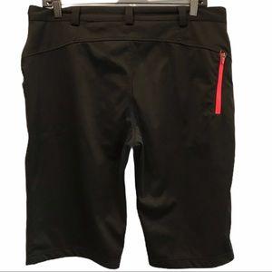 Black Mondetta Bermuda shorts size large